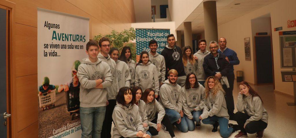 Entrega de Premios Selfies del Proyecto Compañero en la Facultad de Cienicas Sociales y de la Comunicación