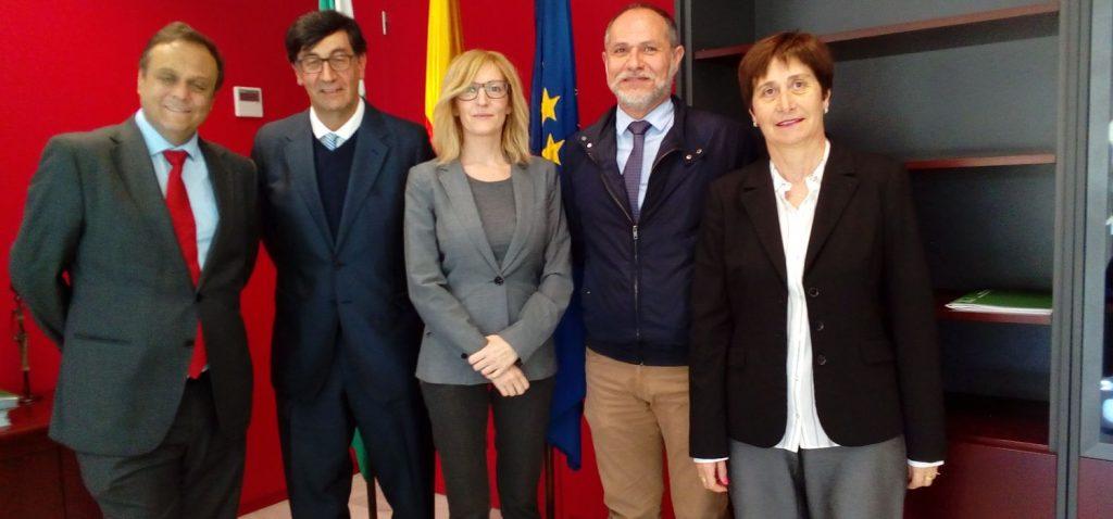 Reunión de la Facultad de Ciencias Sociales y de la Comunicación con la Secretaría General de Administraciones Públicas de la Junta de Andalucía